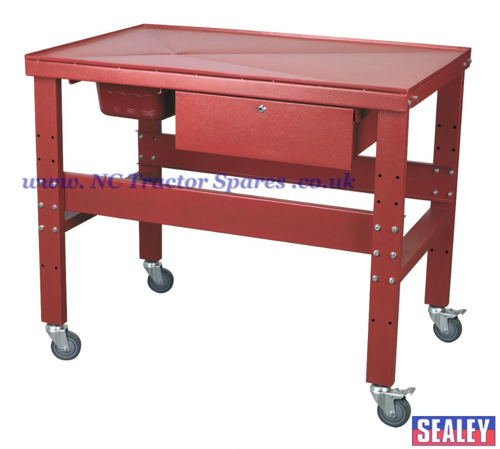 Mobile Workbench With Oil Drain