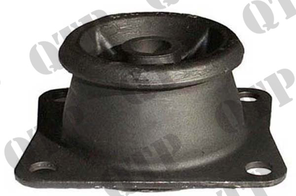 Cab Mounting IHC Front 495 - 955 XL